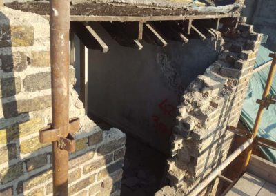 Rebuilding of historic brickwork in lime mortar