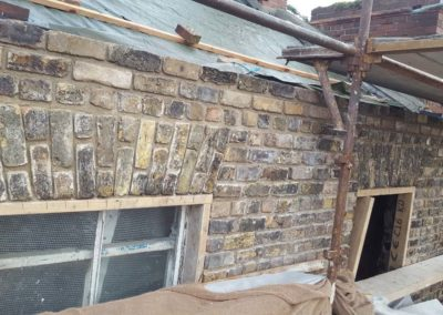 Rebuilding of historic brickwork in lime mortar2